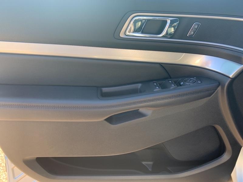 Ford Explorer 2017 price $27,988