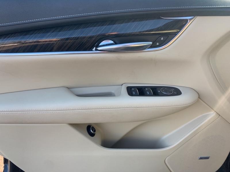 Cadillac XT5 2018 price $26,988