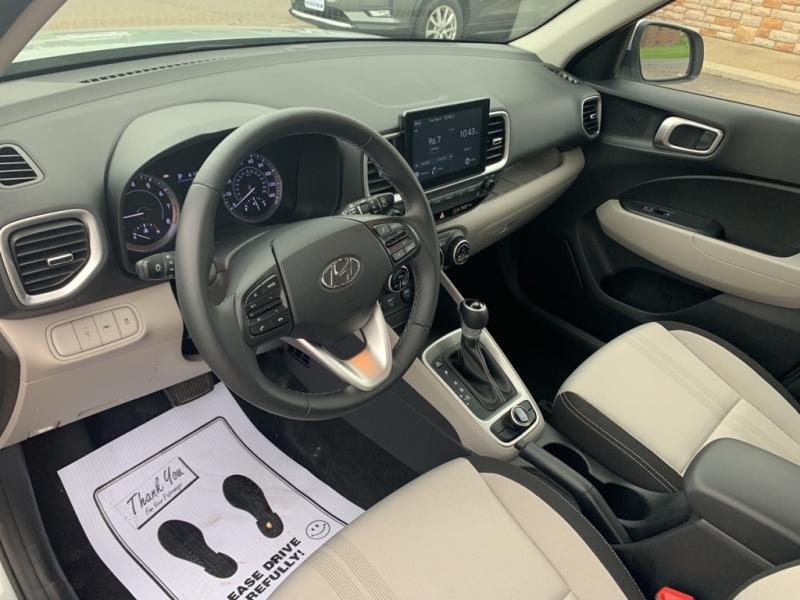 Hyundai Venue 2020 price $20,988