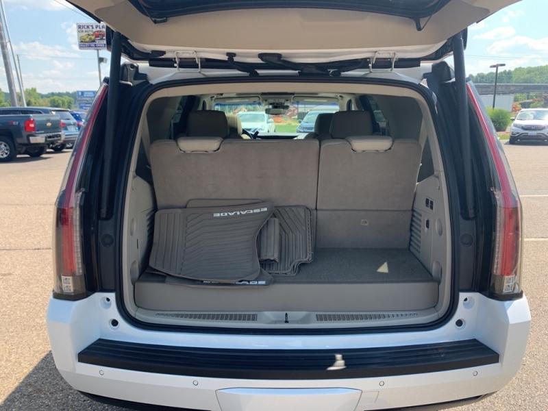 Cadillac Escalade 2018 price $61,988