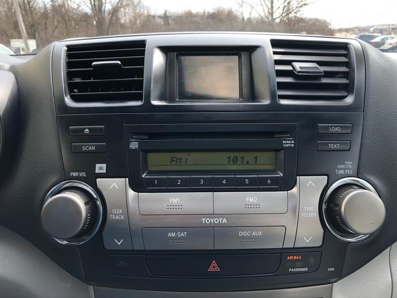 Toyota Highlander 2008 price $6,900