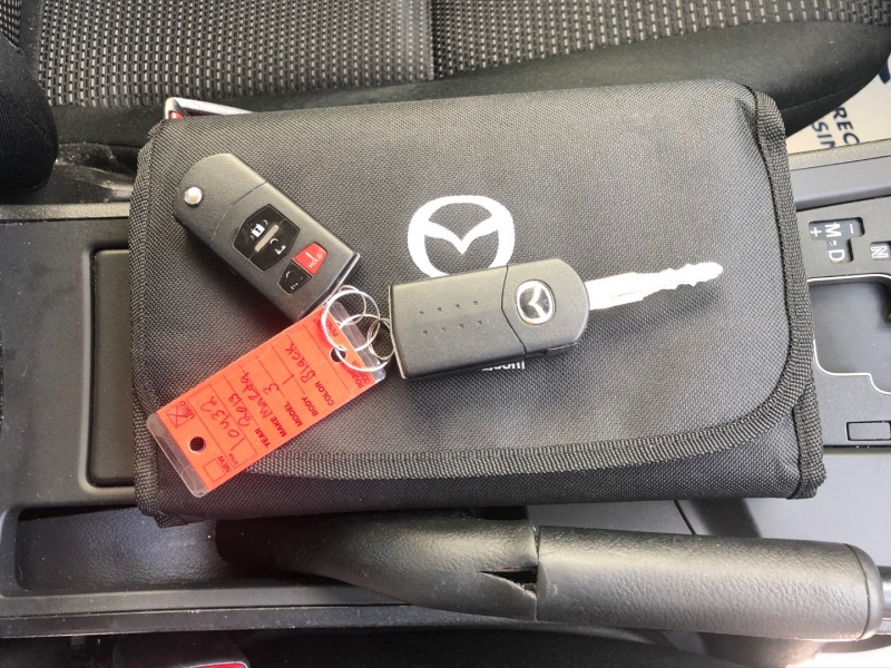 Mazda Mazda3 2013 price $7,900