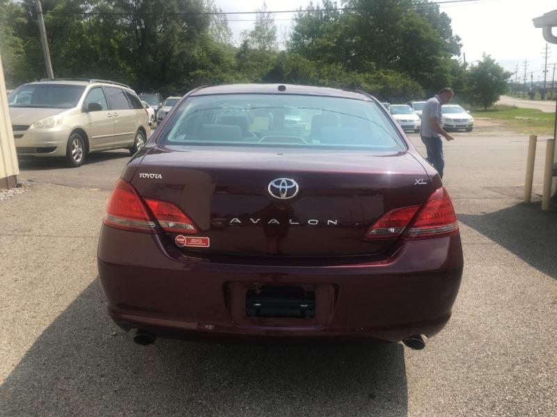 Toyota Avalon 2009 price $7,800