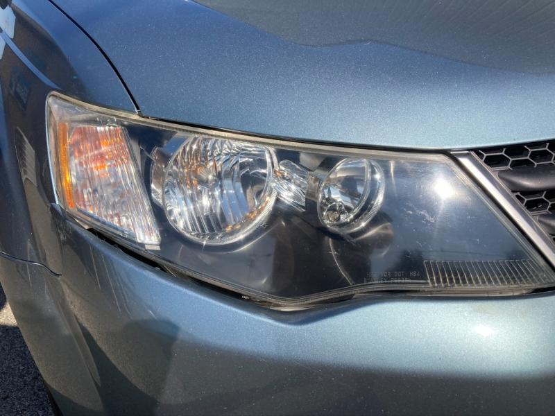 Mitsubishi Outlander 2007 price $3,890