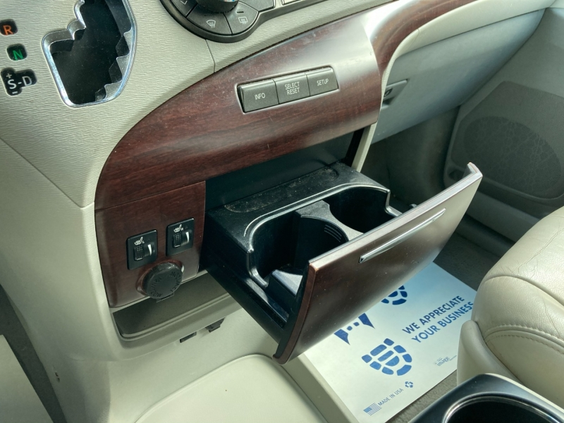 Toyota Sienna 2011 price $9,800
