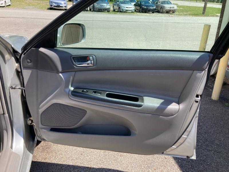 Toyota Camry 2005 price $4,600