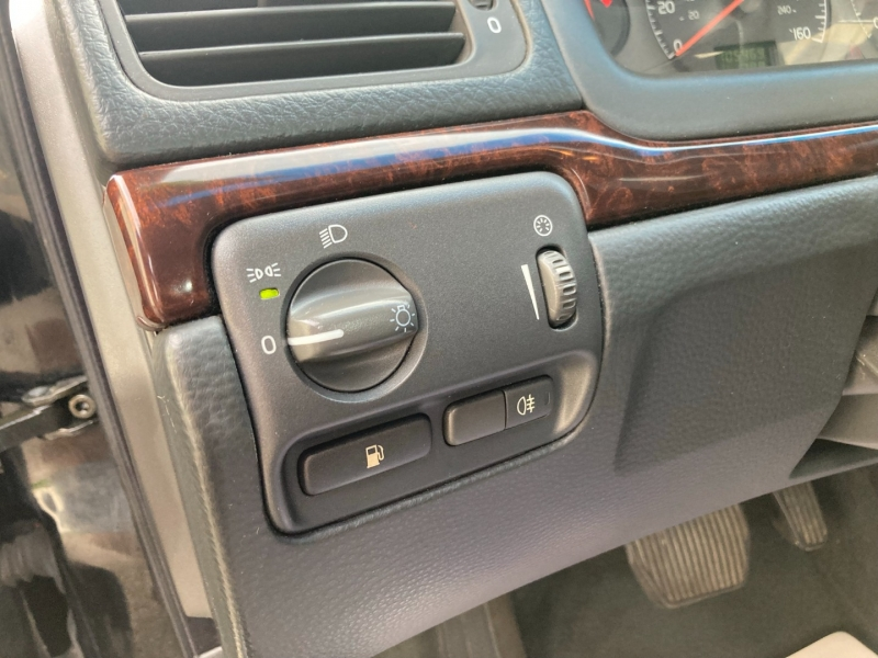 Volvo S 80 2003 price $4,200