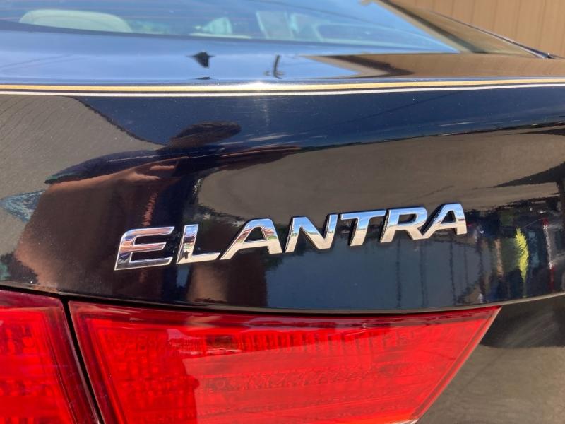 Hyundai Elantra 2011 price $5,200