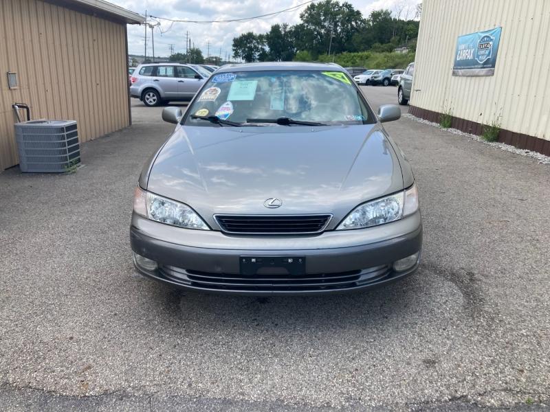 Lexus ES 300 1998 price $4,200