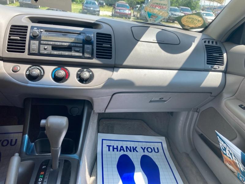 Toyota Camry 2002 price $3,600