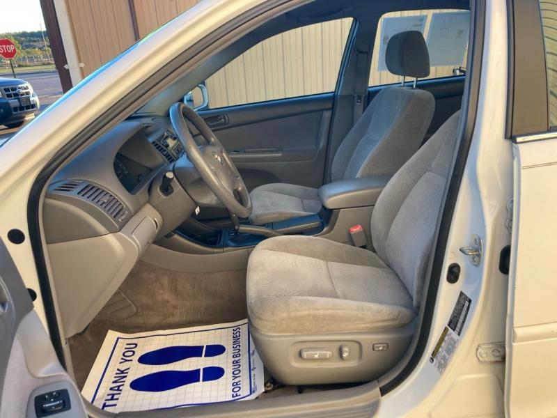 Toyota Camry 2004 price $4,400