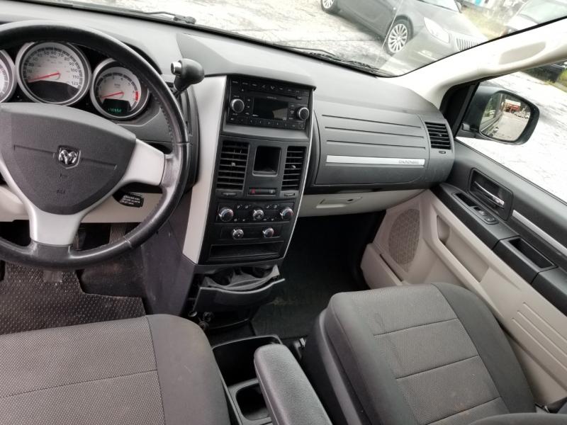 Dodge Grand Caravan 2008 price $6,000