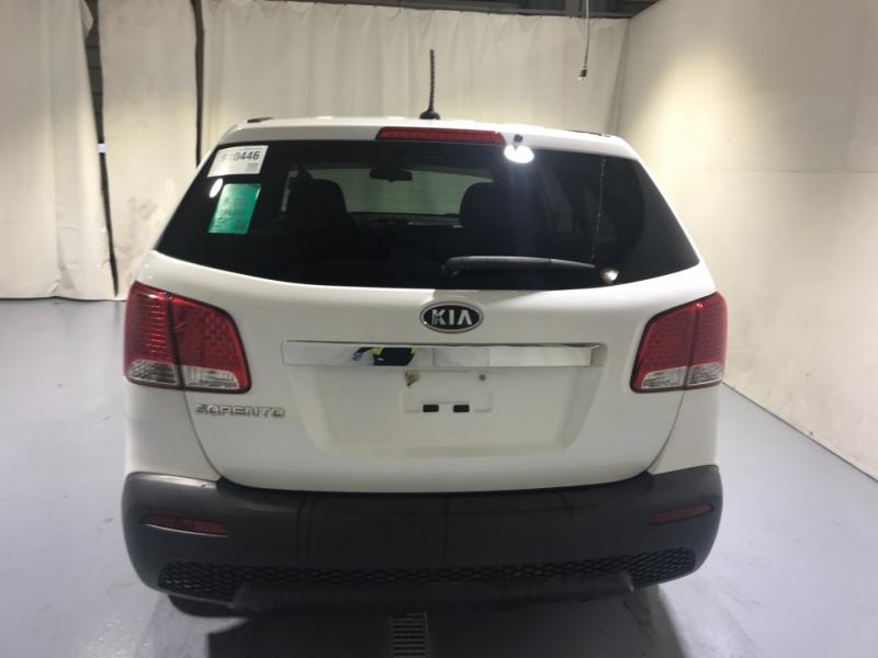Kia Sorento 2012 price $8,000