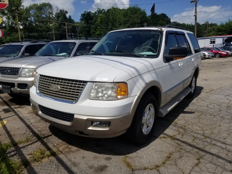 Ford Expedition w/ 3RD ROW 2005 price $6,000