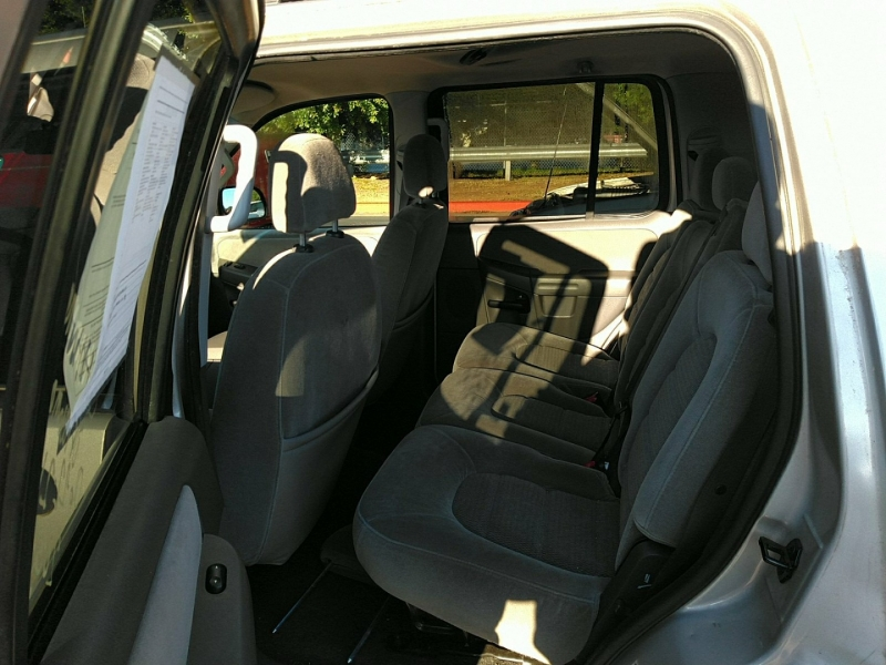 Ford Explorer W/ 3RD ROW SEAT 2005 price $6,000