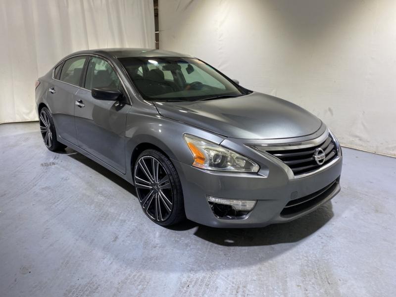 Nissan Altima 2014 price $10,000