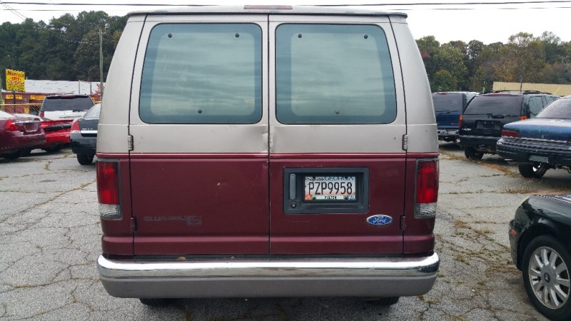 Ford Club Wagon 12 PASSENGER VAN 1995 price $4,000 Cash