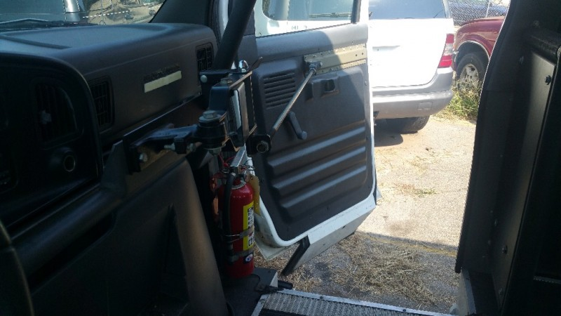 Ford Econoline WHEEL CHAIR AND PASSENGER VAN 1994 price $2,000