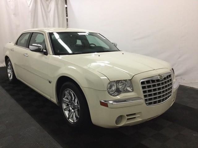Chrysler 300 2005 price $7,000