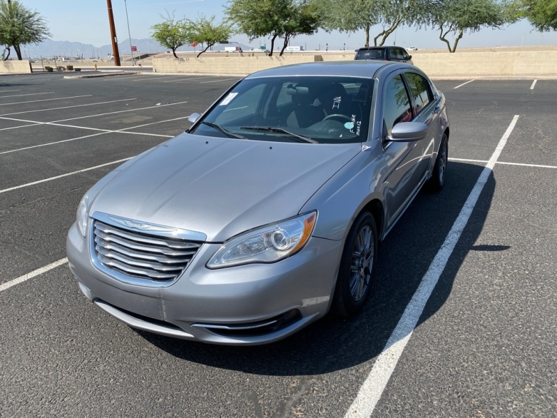 CHRYSLER 200 2013 price $4,900
