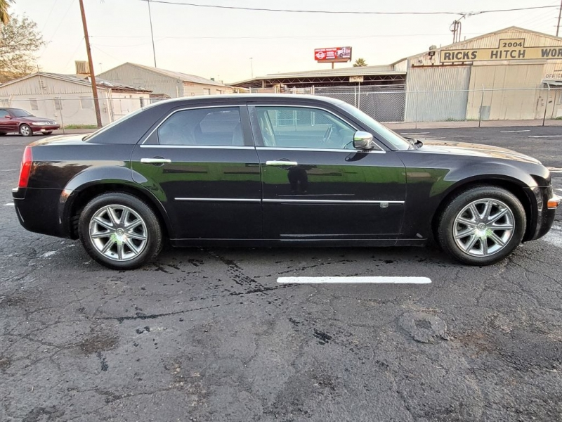 CHRYSLER 300C 2009 price $4,900