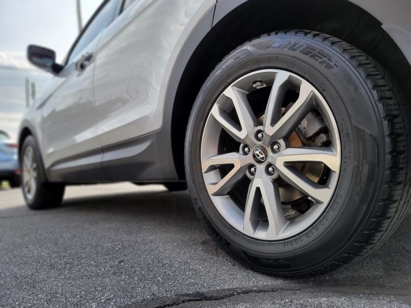 Hyundai Santa Fe Sport 2014 price $14,900