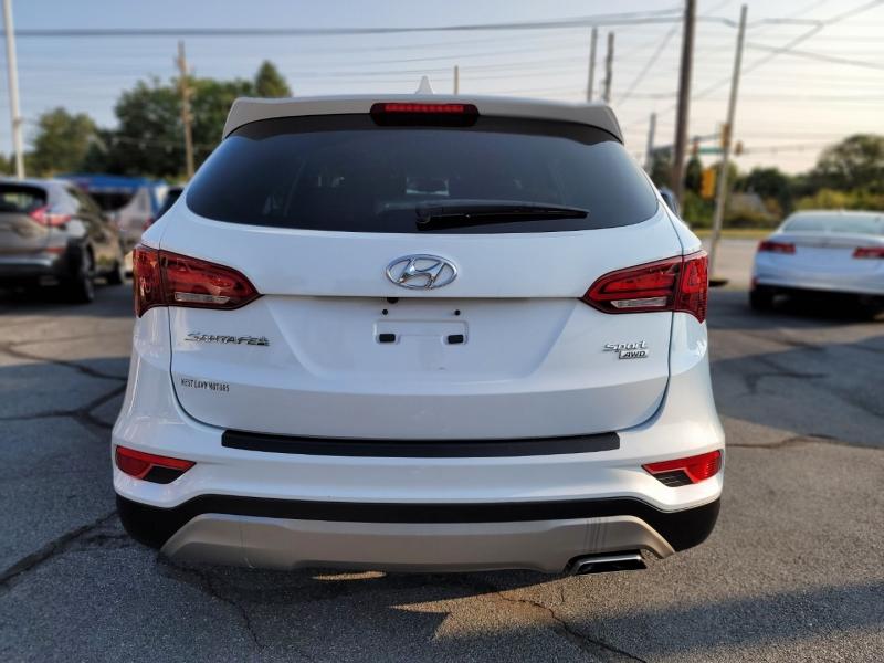 Hyundai Santa Fe 2017 price $19,900