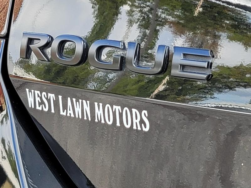 Nissan Rogue 2018 price $20,900