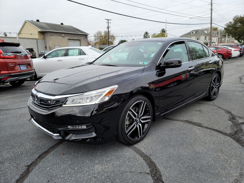 Honda Accord Sedan 2017 price $21,900