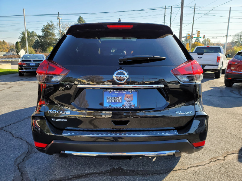 Nissan Rogue 2018 price $22,900