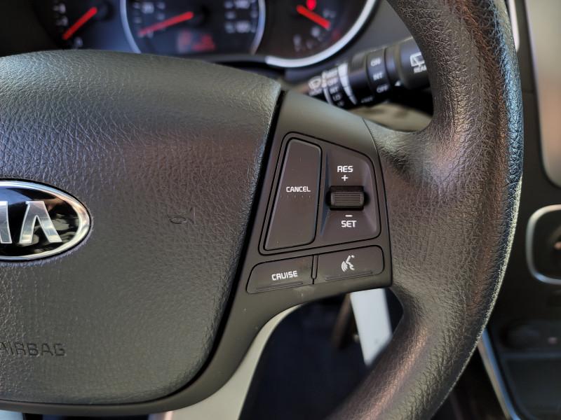 Kia Sorento 2014 price $13,900