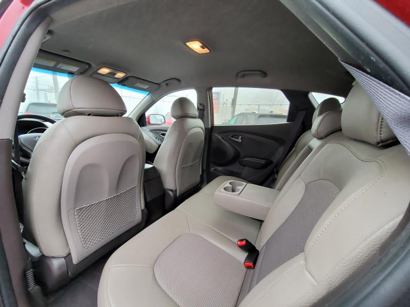 Hyundai Tucson 2015 price $11,900
