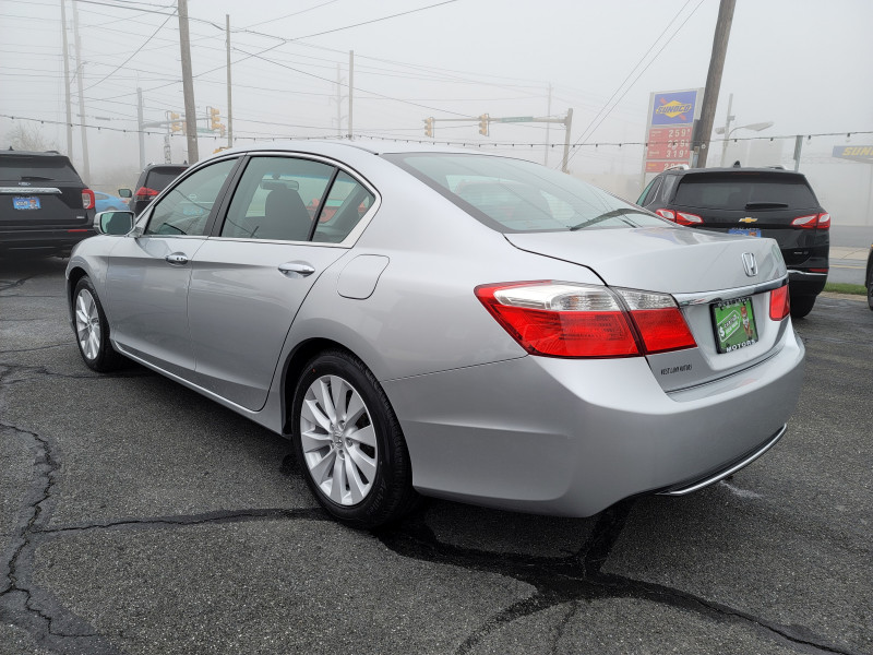 Honda Accord Sdn 2013 price $13,900