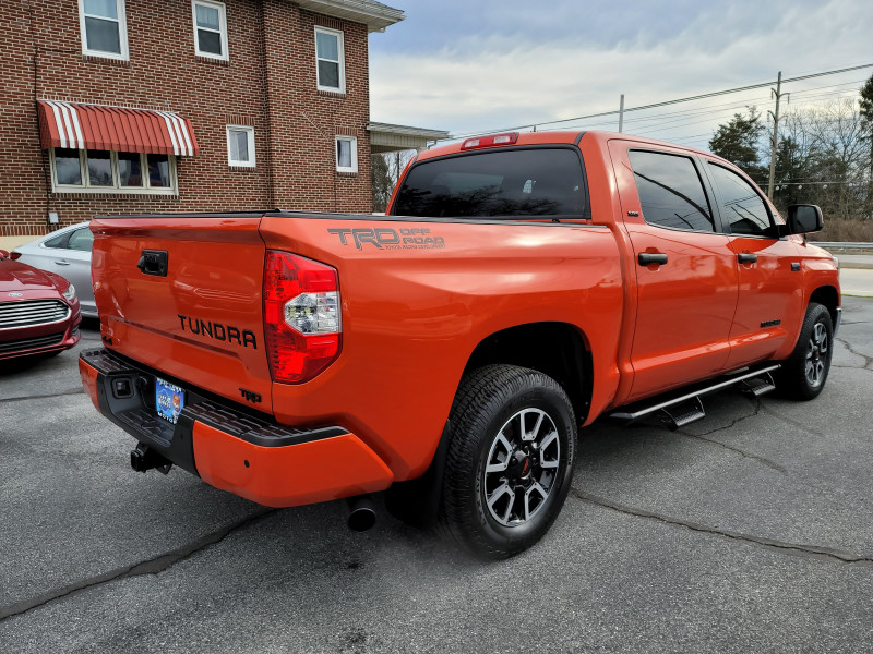 Toyota Tundra 4WD 2018 price $42,900