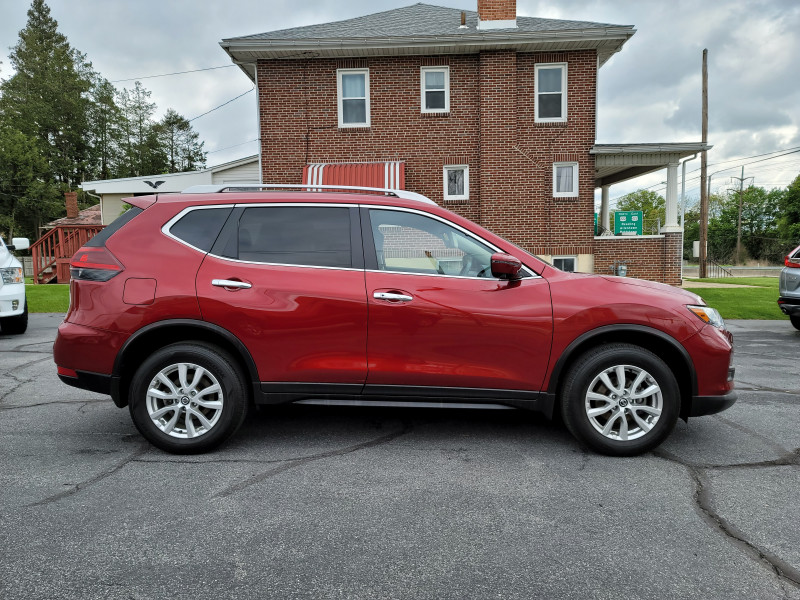 Nissan Rogue 2018 price $20,900