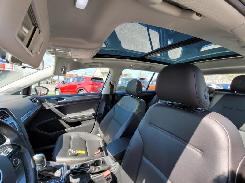 Volkswagen Golf Alltrack 2017 price $18,900