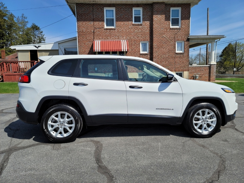 Jeep Cherokee 2017 price $17,900