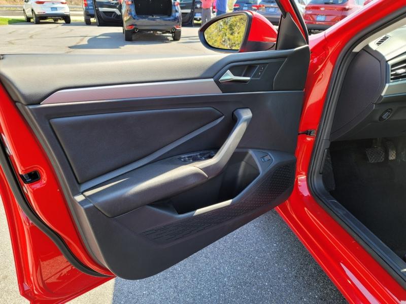 Volkswagen Jetta 2019 price $16,900