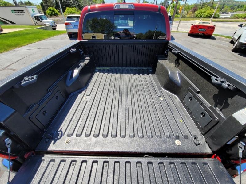 Toyota Tacoma 2018 price $35,900