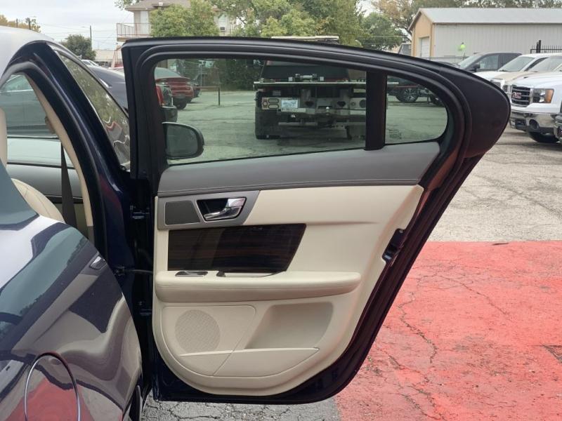 JAGUAR XF 2011 price $9,999