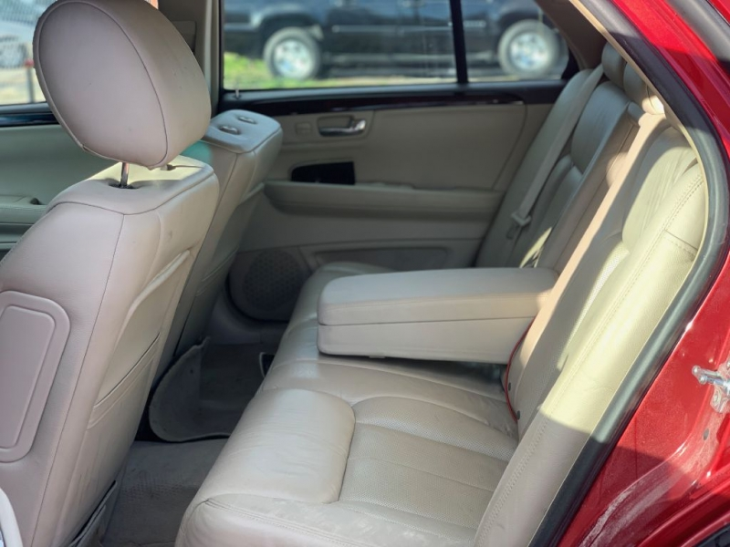 CADILLAC DTS 2011 price $5,999