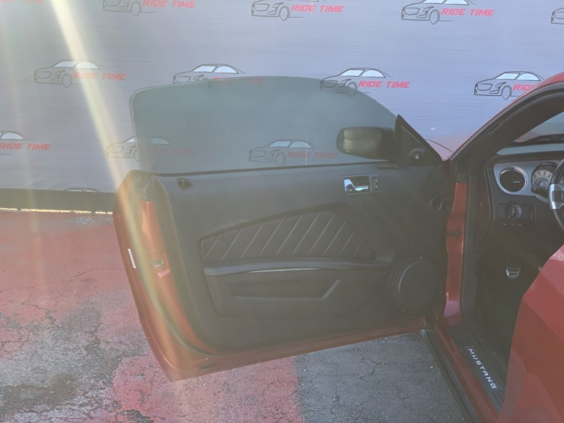 FORD MUSTANG 2010 price $12,999