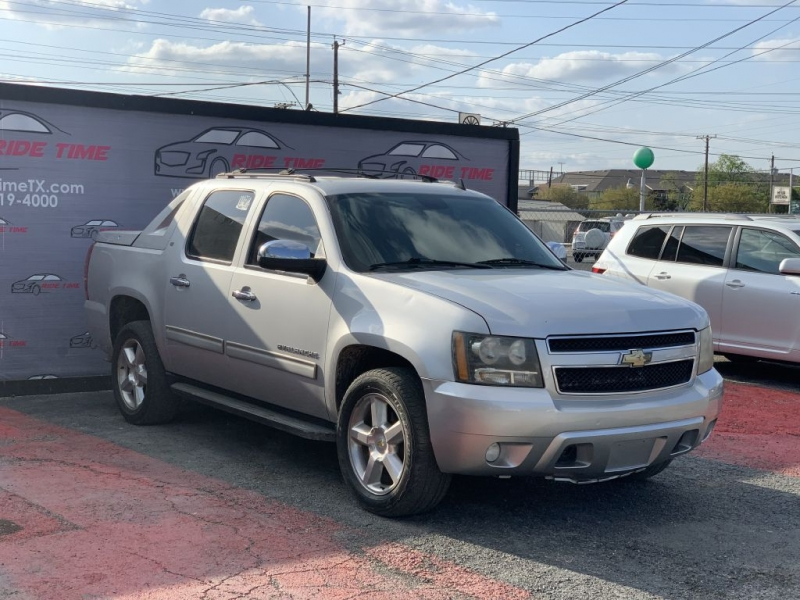 CHEVROLET AVALANCHE 2011 price $10,999
