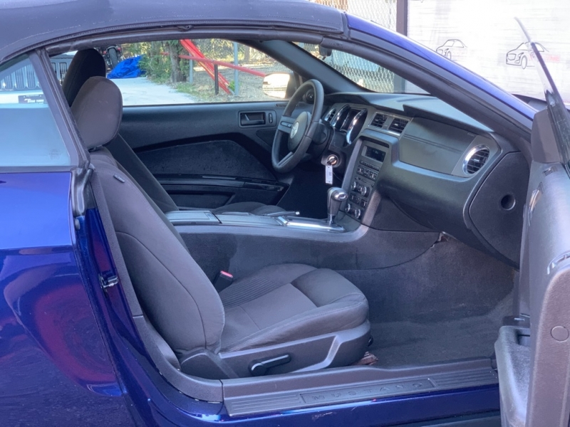FORD MUSTANG 2012 price $10,499