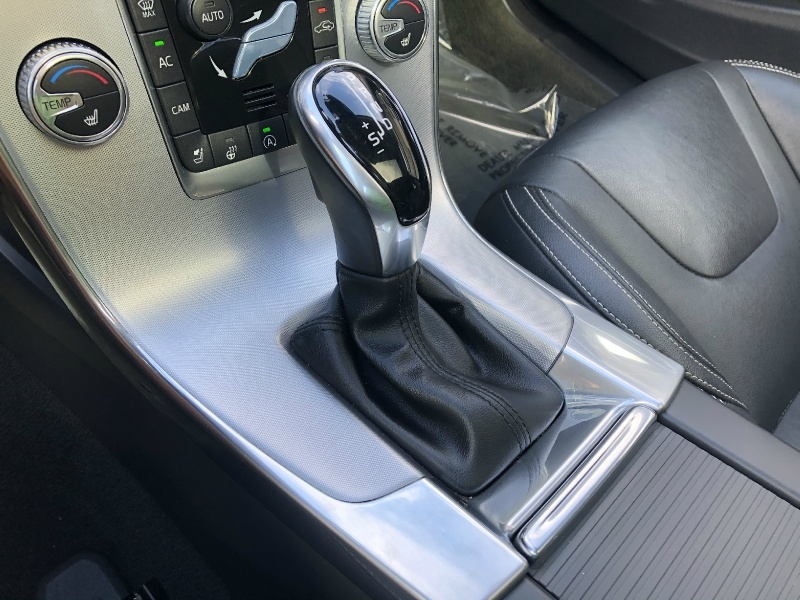 Volvo V60 2018 price $25,900