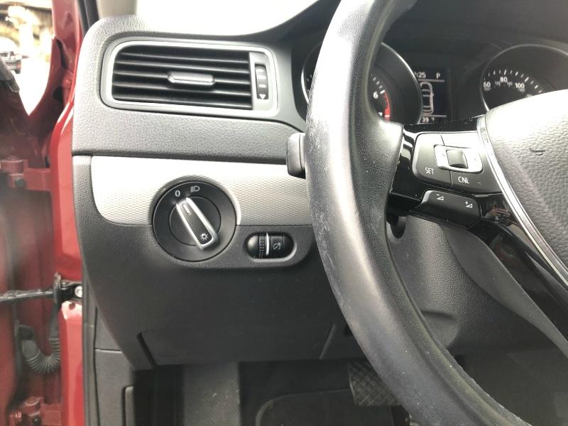 Volkswagen Jetta 2017 price $14,400