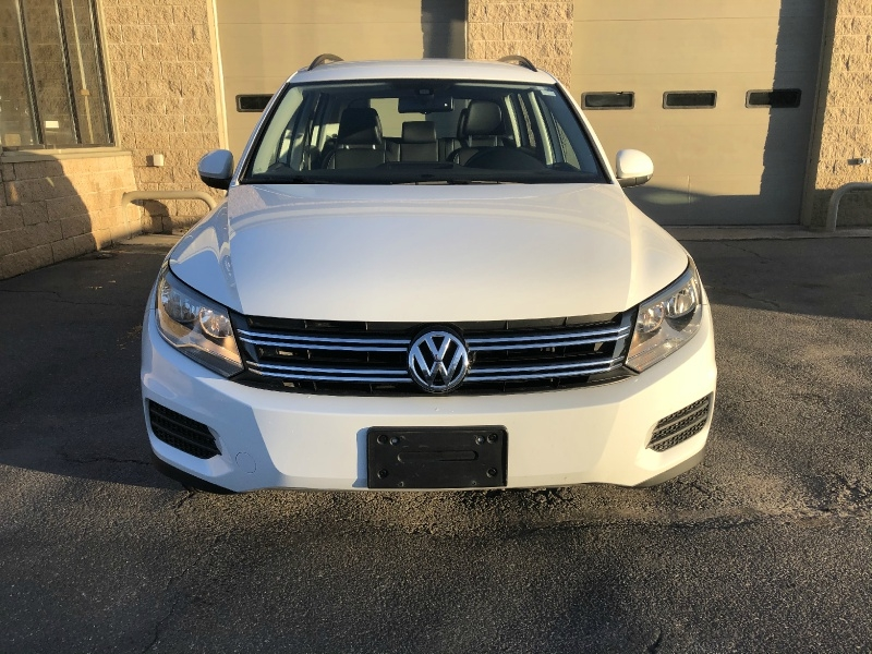 Volkswagen Tiguan 2016 price $16,900
