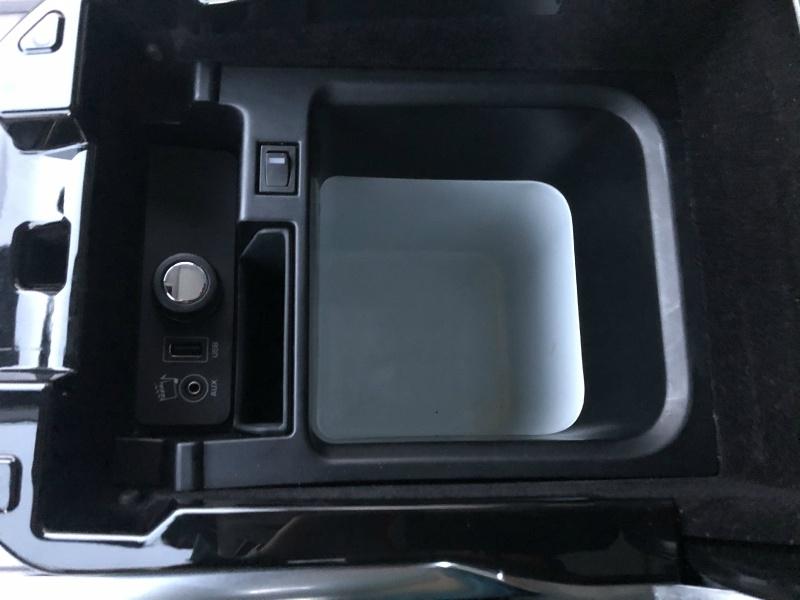 Land Rover Range Rover Sport 2014 price $40,900