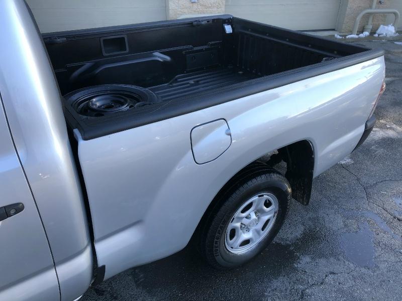 Toyota Tacoma 2011 price $15,900