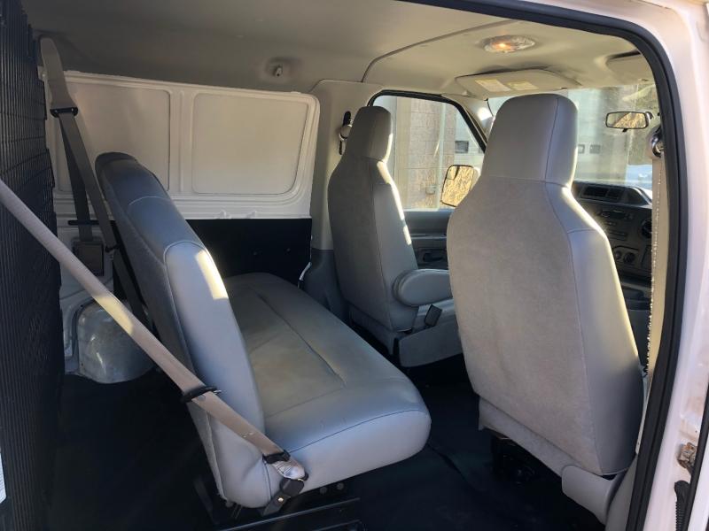Ford Econoline Cargo Van 2013 price $15,900